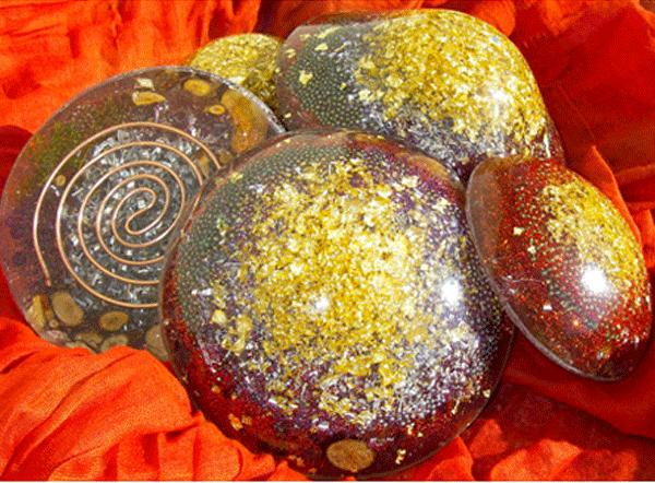 Less pierres orgonites
