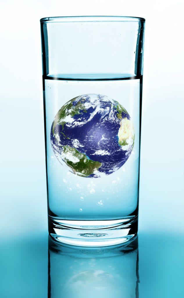 L'eau réagit à l'ambiance qui l'entoure
